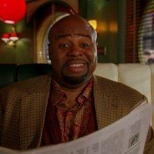 Chi McBride in una scena dell'episodio 'Amare Delizie' della prima stagione di Pushing Daisies