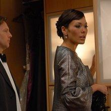Andrew McCarthy con Lindsay Price nell'episodio 'Chapter Six: Take the High Road' della prima stagione di Lipstick Jungle