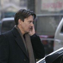 Andrew McCarthy nel ruolo di Joe, tenta di farsi perdonare da Victory nell'episodio 'Chapter Seven: Carpe Threesome' della serie tv Lipstick Jungle