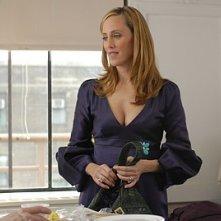 Kim Raver in una scena dell'episodio 'Chapter Seven: Carpe Threesome' della serie tv Lipstick Jungle