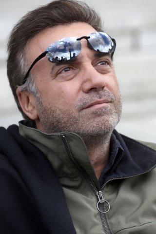 Massimo Ghini è il protagonista del film per la tv Sui tuoi passi