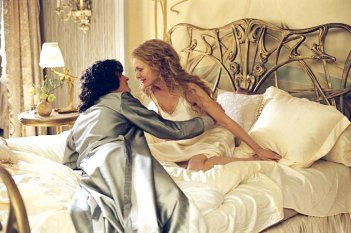 Gli amanti Rupert Friend e Michelle Pfeiffer durante l'intimità