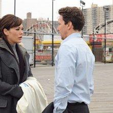 Andrew McCarthy e Lindsay Price discutono della loro relazione nell'episodio 'Chapter Nineteen: Lovers' Leap' della serie Lipstick Jungle