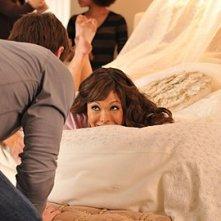 Lindsay Price sul set fotografico nell'episodio 'Chapter Eighteen: Indecent Exposure' della serie tv Lipstick Jungle