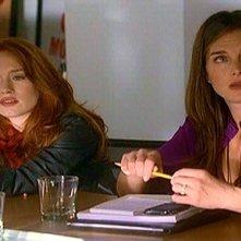 Maria Thayer e Brooke Shields nell'episodio 'ChapterSeventeen; Bye, Bye Baby' della serie tv Lipstick Jungle