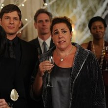 RMarcia DeBonis e Matt Lauria  nell'episodio 'Chapter Twenty: La Vie En Pose' della serie Lipstick Jungle
