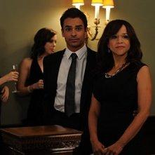 Rosie Perez e David Norona nell'episodio 'Chapter Twenty: La Vie En Pose' della serie Lipstick Jungle