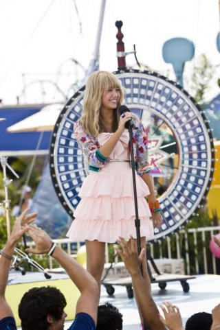 Miley Cyrus è la protagonista del film Hannah Montana: The Movie