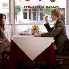 Miley Cyrus e Lucas Till in una scena del film Hannah Montana: The Movie
