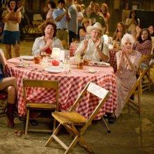 Miley Cyrus e Margo Martindale in una scena del film Hannah Montana: The Movie