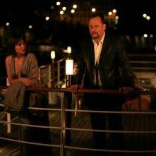 Valeria Golino e Jean Reno in una scena del film Ca$h