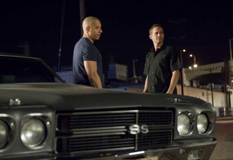 Vin Diesel e Paul Walker in una scena del film Fast and Furious - Solo parti originali
