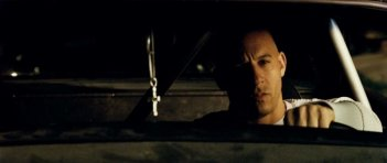 Vin Diesel in una scena del film Fast and Furious - Solo parti originali