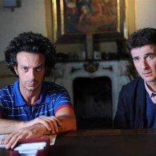 Ficarra e Picone in una scena del film La matassa