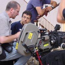 Il direttore della fotografia Saverio Guarna e il regista Bruno De Paola sul set del film Il sogno nel casello