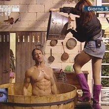 Grande Fratello 9: un bagno sexy per Gianluca Zito e Monica Riva