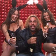 Grande Fratello 9: Vittorio e le conigliette di Playboy (tra cui Sarah, futura concorrente del GF10)