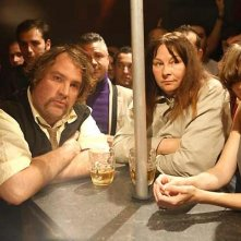Bouli Lanners e Yolande Moreau in una scena del film Louise & Michel