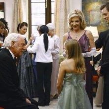 Donald Sutherland, Peter Krause e Jill Clayburgh in una scena dell'episodio 'Il Matrimonio' della serie tv Dirty Sexy Money