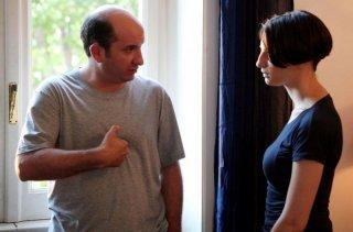 Antonio Albanese e Francesca Inaudi in una sequenza del film Una questione di cuore