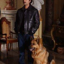 Fabio Ferri con Rex in momento della serie
