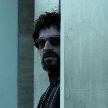 Vincent Cassel è Jacques Mesrine nel film Nemico pubblico n°1 - L'ora della fuga
