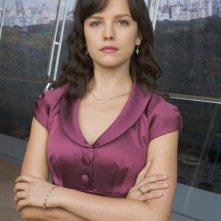 Allison Miller in una foto promozionale della serie Kings