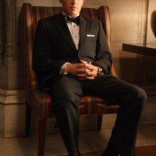 Christopher Egan in una scena del pilot della serie Kings