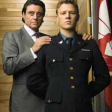 Ian McShane e Christopher Egan in una foto promozionale della serie Kings