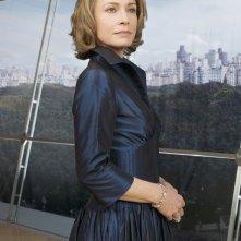 Susanna Thompson in una foto promozionale della serie Kings