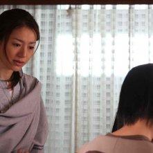 Haruka Igawa in una scena del film Tokyo Sonata