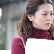 Kyoko Koizumi in una scena del film Tokyo Sonata