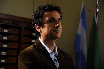 Blas Roca Rey in una scena del film tv Scusate il disturbo