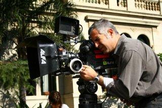 Il regista Luca Manfredi sul set del tv movie Scusate il disturbo