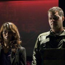Aaron Douglas e Rekha Sharma in un momento dell'episodio 'Daybreak: Part 2', finale della serie Battlestar Galactica