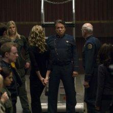 Edward James Olmos, Katee Sackhoff e Jamie Bamber nell'episodio 'Daybreak: Part 1' di Battlestar Galactica
