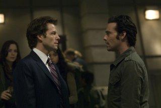 James Callis e Jamie Bamber nell'episodio 'Daybreak: Part 1' di Battlestar Galactica