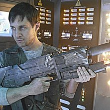 Yuri Lowenthal in una scena dell'episodio Last Voyage of the Jimmy Carter di The Sarah Connor Chronicles