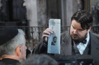 Giuseppe Battiston in una scena del film TV Lo smemorato di Collegno