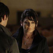 Cristine Rose in una scena di Into Asylum dalla terza stagione di Heroes