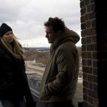 Gwyneth Paltrow e Joaquin Phoenix in una sequenza del film film Two Lovers