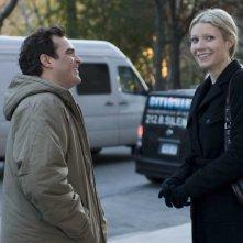 Joaquin Phoenix e Gwyneth Paltrow in una sequenza del film film Two Lovers