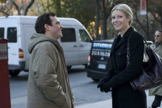 Joaquin Phoenix e Gwyneth Paltrow in una sequenza del film film Two Lovers