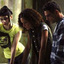 Silvia De Santis, Simona Cavallari e Marco Leonardi in una scena della serie tv Squadra Antimafia - Palermo oggi