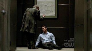 Jensen Ackles in balia del fantasma dell'episodio 'It's a Terrible Life' della quarta stagione di Supernatural
