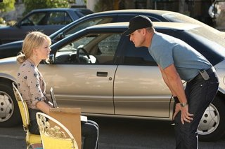 Taylor Swift, nel ruolo di Haley Jones, e  George Eads nell'episodio 'Turn, Turn, Turn' della nona stagione di CSI - Las Vegas