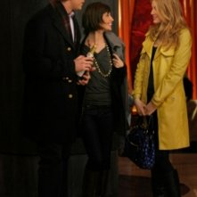 Blake Lively, Tamara Feldman e Armie Hammer in un momento dell'episodio 'Remains of the J' della serie tv Gossip Girl