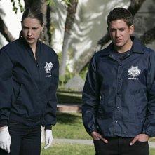 Lauren Lee Smith insieme a Eric Szmanda nell'episodio 'No Way Out' della nona stagione di CSI