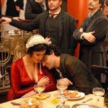 Anna Netrebko e Rolando Villazón in un'immagine del film La Bohème