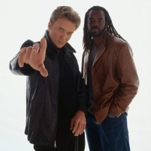 Anthony Michael Hall e John L. Adams in una immagine promo di The Dead Zone